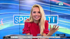 TRT Spor spikeri Deniz Satar görevinden istifa etti - Sputnik Türkiye