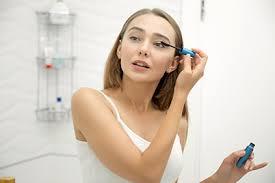 acne applying makeup jpg
