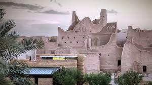 """أيقونة عمرها أكثر من 570 عاما..اكتشف عمارة """"الدرعية"""" بالسعودية - CNN Arabic"""