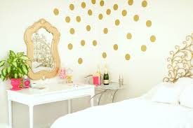 Bedroom Inspiration baubles to bubbles, gold and white room decor ...