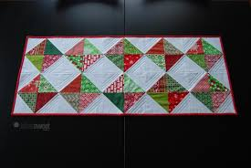 7 Free Table Runner Patterns to Dress Up Your Home & Diamond table runner pattern Adamdwight.com