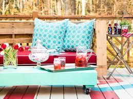 Diy Patio Furniture How To Make Stylish Outdoor Pallet Seating Hgtv