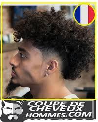Coupe Cheveux Homme Noir Court Degrade Avec Trait Bas Afro
