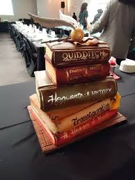 Best 25 Book cakes ideas on Pinterest