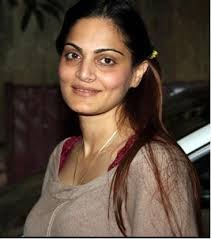 She is the sister of best Khan of Bollywood, Salman Khan.alvira khan is married to Hindi ... - alvira-khan-agnihotri