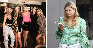 Star mischa barton posted a picture of herself looking sad. What Happened To Mischa Barton Here S What She S Been Up To