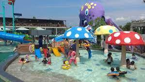 Sumber mata air sendang banyu biru memiliki ukuran kolam yang tidak cukup besar, tetapi memiliki kejernihan air yang tidak ada tandingannya. Deretan Kolam Renang Di Gresik Beserta Tiket Masuknya Trip Jalan Jalan