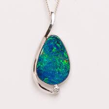 14ct white gold doublet opal pendant