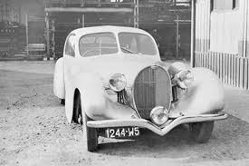 Styles 28, 30 often overshadowed by the illustrious type 57 and the humongous type 41 royale, the type 46 was built in large numbers, at least for bugatti. Bugatti Historic Models
