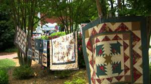 Airing of the Quilts - Franklin, North Carolina - YouTube &  Adamdwight.com