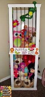 20+ Creative DIY Ways to Organize and Store Stuffed Animal Toys --> DIY