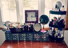 Image of: Makeup Storage Containers Ideas