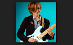 Jess Lewis 女性ギタリスト(19歳) | ギターとDTM Toy-Music-Blog