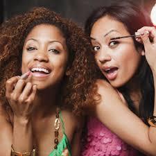 women sharing makeup 700x700 0 jpg