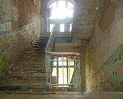 """Die """"treppe ins nichts wurde im juli 2013 fertiggebaut und schließt nun direkt an die hängebrücke an. Flachenbedarf Treppen Planungsgrundlagen Baunetz Wissen"""