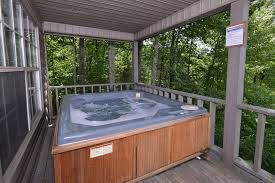 Pigeon Forge 2 Bedroom Suites Melanies Pigeon Forge Two Bedroom Mountain View Cabin Rental Lake
