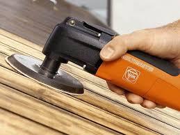 Ошкуривание деревянных поверхностей