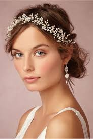keep your bridal makeup natural as you want your makeup in photographs to look timeless for years to e focus on enhancing your natural features rather