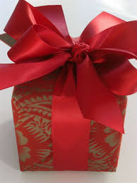 30 Ideas For Wrapping Gifts This Christmas  HearthandmadeukBeautiful Christmas Gift Wrap