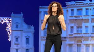 dismappa Verona - Teresa Mannino - Sono nata il ventitre - Sono la pronipot  di Medea - YouTube