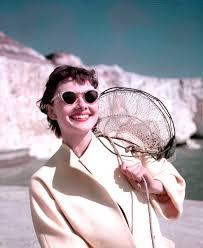 Audrey Hepburn El Icono Vogue It Means To Aim Pinterest