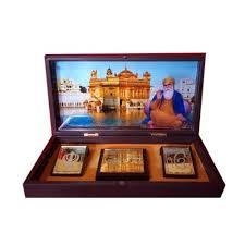 <b>Gold</b> Plated Gurunanak Ji Frame Along With <b>Charan</b> Pad, 6x12x6 ...