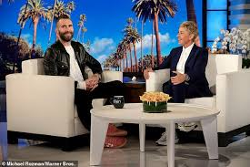 Adam Levine Size Chart Adam Levine Reveals Daughter Dusty Rose Three Is Not A Fan