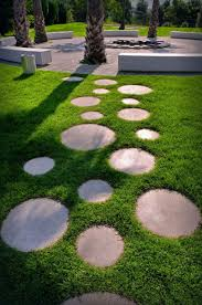 patio stones with grass in between. Wonderful Stones 10 Ideas For Stepping Stones In Your Garden  These Round Stepping Stones  Surrounded By In Patio With Grass Between