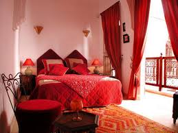 Bedroom:Modern Moroccan Bedroom With White Comfort Bed Under Crystal  Chandelier Also White Fluffy Fur