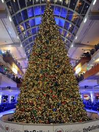 See The Galleria's massive Christmas tree get decorated in 25 seconds