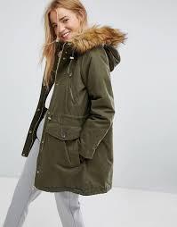 women s pull bear faux fur hood parka coat u78z7