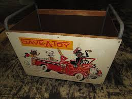 Toybox vintage with wheels