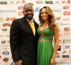 Cowboys' Hall of Famer Emmitt Smith and his wife are getting a reality show