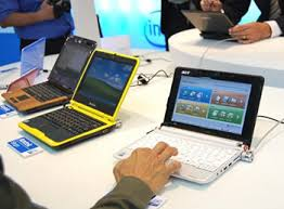 difference between notebook and laptop difference between netbook and notebook netbook vs notebook