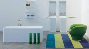 Pareti Azzurro Grigio : Dipingere le pareti del bagno