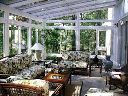 View in gallery Tropical sunroom ...