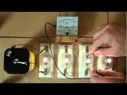connecting light bulbs in parallel