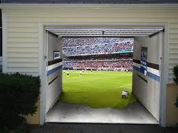 garage door muralsShe Transforms Her Ordinary Garage Door Now The Neighbors Cant