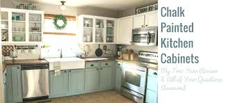 can i paint my kitchen cabinets chalk paint kitchen cabinets chalk paint kitchen cabinets chalk painted kitchen cabinets 2 years paint kitchen cabinets