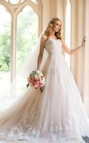 25+ süße Brautkleider online Ideen auf Pinterest | Abendkleid a ...