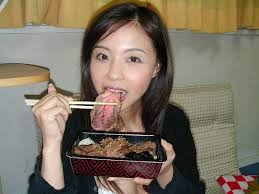snopes What IS she eating