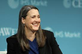 PG&E CEO is 1st woman to go from top of one Fortune 500 company to ...