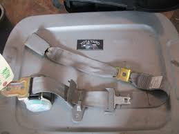 s l1600 s l1600 02 06 toyota camry rear center middle seat belt buckle