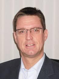 Ursprünglich kommt Dirk Schmitz vom Fachbereich Schule und Sport, wo er seit 1991 in der Schulentwicklungsplanung gearbeitet und zuletzt auch die ... - bzmg-dirk_schmitz
