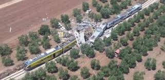 ايطاليا - ارتفاع عدد قتلى حادث تصادم قطارين في إقليم بوليا والاسباب مجهولة