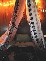 Build A Blanket How To Make A Blanket Fort Without Chairs The Best Blanket