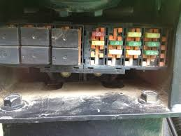 i need a fuse box diagram for a 2006 john deere 5203 fixya i need a fuse box diagram for a 2006 john deere 5203