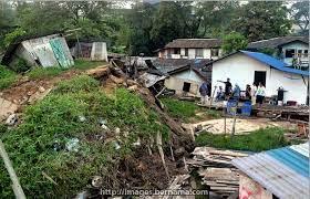 """BERNAMA on Twitter: """"Keadaan rumah setinggan yang musnah dalam kejadian  tanah runtuh di Kampung Tahana, Larkin, Johor tengah malam tadi.  http://t.co/C2b00w32Ay"""""""
