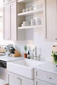 Kitchen Makeover For Small Kitchen 17 Best Ideas About Small Kitchen Makeovers On Pinterest Small