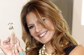 Yvonne Reyes durante la primera presentación de su nuevo perfume 'IR' en Madrid. GTres. Ir a Sevilla celebra una jornada dedicada a la belleza - Yvonne-Reyes-durante-la-primer_54393202100_53389389549_600_396